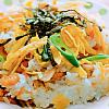 五目ちらし寿司。菜の花のお浸し。みそ汁。