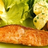 鮭のムニエル。粉ふきイモ。コンソメスープ。ご飯。