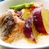 鮭とさつまいものクリーム煮。大根とコーンのサラダ。ご飯。