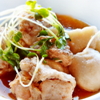鶏肉と里芋の煮物。春雨ときゅうりのサラダ。みそ汁。ご飯。