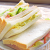 サンドイッチ。鶏の唐揚げ。