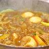 カレーおでん鍋。もやしとニラのおかか和え。