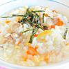 野菜たっぷり鶏雑炊。いものつき揚げ。
