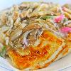 豆腐のステーキきのこあん。みそ汁。ご飯。